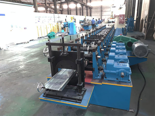 Galvanized Steel Rim Of Stereo Garage C Purlin Roll Forming Machine